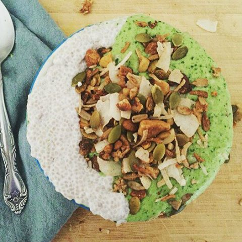 Vitamin Green Smoothie Bowl w/ Chia