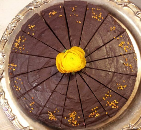 """Cocoa + Hazelnut """"No Cheese"""" Cake"""